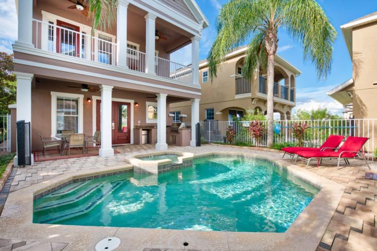 Cheap villas with pools near Disney