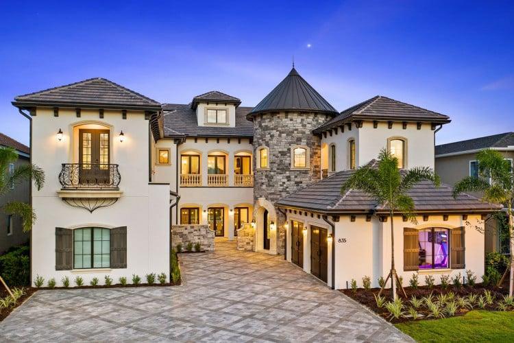 Mansions near Disney