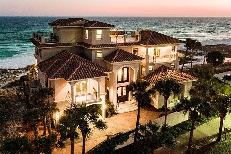 Pool villas in Florida